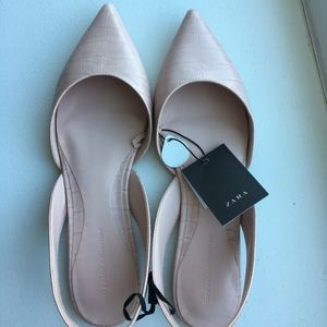 'NEW' ZARA - light pink flat shoes (with tags!!)